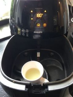 Electric Air Fryers – Home Design Ideas Household Cleaning Tips, Cleaning Hacks, Tupperware, Air Fryer Recipes Low Carb, Actifry, Air Fryer Healthy, Healthy Crockpot Recipes, Good Housekeeping, Natural Cleaning Products