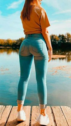 Looks Hip Hop, Corps Parfait, Cowgirl Jeans, Superenge Jeans, Sweet Jeans, Curvy Women Fashion, Denim Outfit, Girls Jeans, Hot Girls