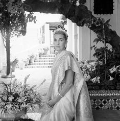 "Barbara Hutton in Tangier, Morocco, 1961 - Her motto was ""If you've got it, flaunt it,"" & she was a skilled flaunter. She had an affinity for elaborate historical pieces & paintings & paid top dollar for them. Her collection of art included pieces from Marie Antoinette & Empress Eugénie of France; & she was infamous in the jewelry world for buying the rare 40-carat Pasha Diamond, which she had recut to fit her fancy, bringing it down to 36 carats. Here she wears the Romanov emeralds as a…"