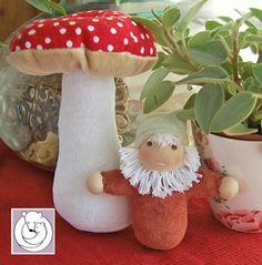 Gnomie Mushroom Set by Polar Bear Creations Dolls, via Flickr