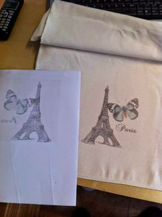 Transfer onto fabric with freezer paper Diy Crafts For Adults, Easy Diy Crafts, Diy Crafts To Sell, Wax Paper Transfers, Stencil, Foto Transfer, Fabric Stamping, Freezer Paper, Batik