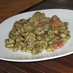 Habas fritas #recetas #gastronomia Fava Beans, Chicken Salad Recipes, Savoury Dishes, Asparagus, Potato Salad, Salsa, Favorite Recipes, Meat, Vegetables