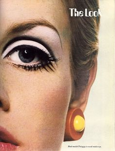 Twiggy exaggerated eyes with white shadow