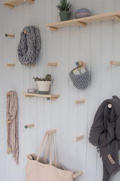 Sisustusta, suunnittelua, haaveilua, ideoita ja ajatuksia asunnon remontoinnista omaksi kodiksi. Closet Bedroom, Closet Space, Diy Storage, Storage Spaces, Interior And Exterior, Interior Design, Wooden Shelves, Closet Organization, Shelving