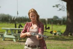New Images From LOOPER