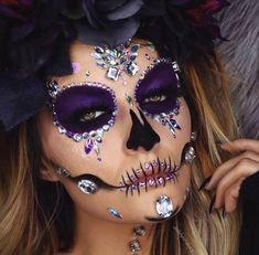 Halloween Makeup Sugar Skull, Sugar Skull Costume, Amazing Halloween Makeup, Sugar Skull Makeup, Halloween Eyes, Halloween Looks, Leopard Halloween, Halloween Spider, Sugar Skulls