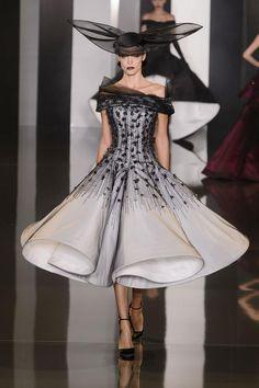 Ralph & Russo Haute Couture F/W 2014-2015   GRAVERAVENS