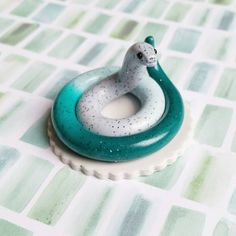 Teal and Granite Themed Snake. Handmade from Polymer Clay by The Clay Kiosk on Etsy. Sculpey Clay, Polymer Clay Figures, Cute Polymer Clay, Polymer Clay Animals, Cute Clay, Polymer Clay Miniatures, Polymer Clay Projects, Polymer Clay Charms, Polymer Clay Creations