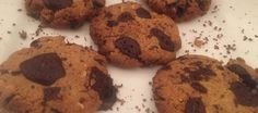 We love these delicious Low Carb Peanut Butter and Chocolate Cookies - perfect for a protein packed snack or crumbled over greek yoghurt for a rich and addictive breakfast. Each cookie has 3.3g of Carbs and 11.g of Protein - great to keep you feeling full for longer without bumping up your carb and sugar count.