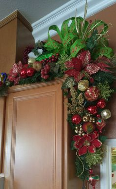 66 Ideas For Decor Christmas Diy Garlands Diy Christmas Garland, Christmas Greenery, Christmas Arrangements, Christmas Mantels, Christmas Door, Christmas Centerpieces, Christmas Tree Toppers, Outdoor Christmas, Xmas Decorations