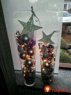 Nevešajte ozdoby len na stromček, toto vyzerá úžasne: 21 úžasných dekorácií, ktoré stačí dať do sklenenej nádoby a postaviť na zem! Christmas Diy, Christmas Decorations, Table Decorations, Advent Wreath, Epiphany, Art Journals, Lava Lamp, Glass Vase, Sweet Home