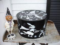 Halloween witches vitnage hat boxFolk artHand by THEVELVETRABBIT