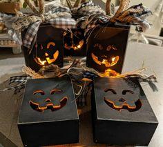 Rustic Halloween, Easy Halloween Crafts, Fall Crafts, Halloween Pumpkins, Fall Halloween, Holiday Crafts, Crafts To Make, Halloween Decorations, Diy Crafts