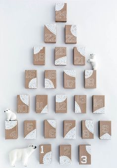 calendar made from cereal boxes, with surprises inside maybe? Adventes kalendārs Lieldienās