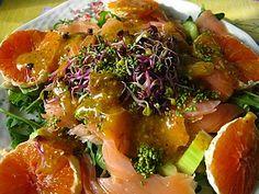 Салат семга, апельсин сангвин, сельдерей, кунжут