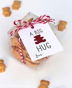 A Big Bear Hug free printable download ...fill with teddy grahams or gummy bears!