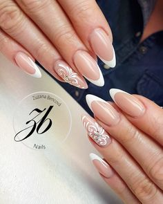 Pin by Nadia Bounoua on nails Wedding Day Nails, Wedding Nails Design, Bridal Nails, French Nails, Nail Tip Designs, Queen Nails, Nagel Hacks, Almond Acrylic Nails, Magic Nails