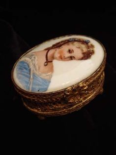 Antique French Portrait Pill/Ring Box
