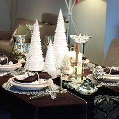 手塚智子先生の「クリスマスに自宅で愉しむシャンパーニュ講座」に参加しました。 ローランペリエのシャンパーニュ2種類をいただきながらのシャンパーニュセミナー。 5種類のチーズ付き。 クリスマスのテーブルコーディネートがスタイリッシュでした✨ ・ <a href='/explore/クリスマス/' class='pintag' title='#クリスマス explore Pinterest'>#クリスマス</a> <a href='/explore/テーブルコーディネート/' class='pintag' title='#テーブルコーディネート explore Pinterest'>#テーブルコーディネート</a> <a href='/search/?q=シャンパーニュ' class='pintag' title='#シャンパーニュ search Pinterest' rel='nofollow'>#シャンパーニュ</a> <a href='/search/?q=手塚智子先生' class='pintag' title='#手塚智子先生 search Pinterest'…