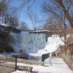 Romantic Places in Minneapolis and St. Paul: Minnehaha Park and Minnehaha Falls
