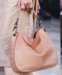 On Its Spring 2018 Runway, Bottega Veneta's Bags Were Uncommonly Creative - PurseBlog
