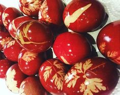 Decorating eggs is fun and a memorable family tradition, one that holds fond childhood memories for many, myself included. Historically eggs represent rebirth and the beginning of the spring season. Decorating styles reflect these symbolic meanings.Here in Greece eggs are dyed a bright red to reflect Christ's blood. Everything from grass to leaves and flowers are used to create unique patterns