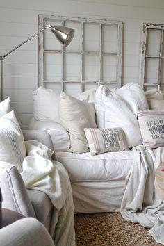 ღღ Simple Cozy Cottage Living Room - lizmarieblog.com