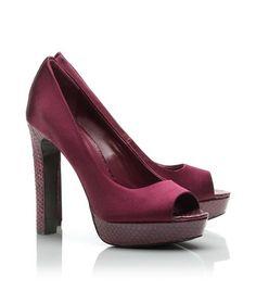 2ea3ca969920 92 Best Shoes...shoes....shoes images