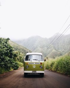 Vintage VW Bus | Green VW Camper Van | Hanahou Campers | Rent a Vintage VW Bus on Oahu | Travel Guide to Oahu via @elanaloo + elanaloo.com