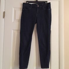 Loft modern skinny ankle jeans Dark wash, zipper at ankles. Great condition. LOFT Jeans Ankle & Cropped