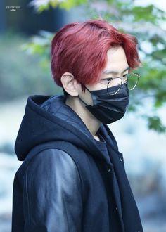 Baekhyun - 161104 KBS Music Bank, commute Credit: Destined. (KBS 뮤직뱅크 출근길)