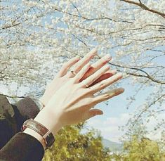 Image shared by felicity ➹. Find images and videos about cute, couple and aesthetic on We Heart It - the app to get lost in what you love. Gay Couple, Couple Hands, Sweet Couple, Couples Musulmans, Muslim Couples, Mode Ulzzang, Korean Ulzzang, Ulzzang Girl Fashion, Couple Ulzzang