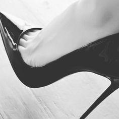 Mmm! #collant #daddysgirl #feet #fetish #fishnets #fishnetstockings #heels #heelsaddict #highheels #hosiery #hotlegs #hotwife #instaheels #legs #lingerie #nylons #pantyhose #peeptoes #prettyfeet #pumps #sexyheels #sheer #shoelover #shoeporn #shoestagram #stilettos #stockingfetish #stockings #tights #toes