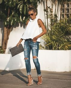 Love this color and the distressed look of the jeans – Summer Outfits – Summer Fashion Tips Summer Wear, Spring Summer Fashion, Spring Outfits, Summer Date Night Outfit, Cute Summer Outfits, Mode Outfits, Casual Outfits, Fashion Outfits, Womens Fashion