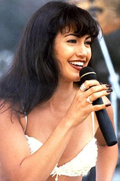 """Jennifer Lopez as Selena Quintanilla 