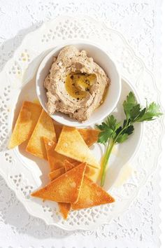 My family kicks off every Christmas Eve with my sister& chicken liver pâté, setting upon it like savages, smearing the stuff onto toast. Holiday Party Appetizers, Yummy Appetizers, Appetizer Recipes, French Appetizers, Chicken Liver Pate, Chicken Livers, Mousse, A Food, Food And Drink