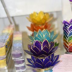 Chakra-Lotus Teelichter von www.duftoase.ch Business Help, Chakras, Feng Shui, Lotus, Zen, Display, Floor Space, Chakra, Lotus Flower