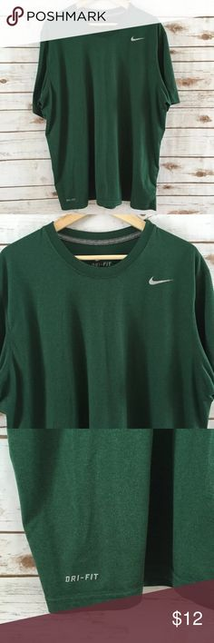"MEN'S NIKE DRI-FIT BASIC T-SHIRT Nike dri-fit men's size XL athletic crewneck shirt. This shirt is in great pre-owned condition, no flaws. It's made of 100% polyester. Armpit to armpit lay flat across: 25"", Length: 29"". Feel free to message me with any questions. Thank you! 💞 Nike Shirts Tees - Short Sleeve"