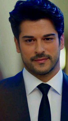Burak Özçivit /turkish model and actor Beautiful Men Faces, Most Beautiful Man, Gorgeous Men, Turkish Men, Turkish Actors, Work Hairstyles, Hot Actors, Girls World, Pretty Men