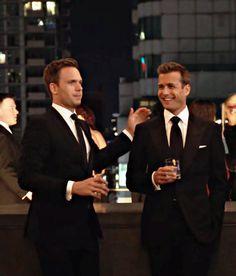 Trajes Harvey Specter, Harvey Specter Suits, Suits Harvey, Suits Tv Series, Suits Tv Shows, Suits Usa, Mens Suits, Suits Quotes, Gabriel Macht
