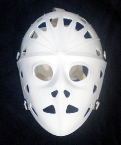 You will got 2 mask. The one white mask and one Black mask. Inside : The mask has solf pad to block your face. Street Hockey, Goalie Mask, Cosplay Armor, Hockey Goalie, Masks For Sale, Black Mask, Vintage Fashion, Vintage Style, Nhl