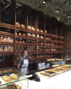 Amano Bakery, New Zealand. Great bread shelves and counter Amano Bakery, New Zealand. Great bread shelves and counter – Bakery Shop Design, Coffee Shop Design, Cafe Design, Restaurant Design, Kfc Restaurant, Bread Display, Bakery Display, Bakery Store, Bakery Cafe