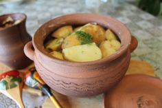 Картошка запеченная в горшке своей работы