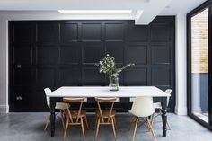Lovely Victorian house in Dulwich Stunning kitchen/dining room with folding doors to garden Dining area with panelled . Interior Inspiration, Design Inspiration, Kitchen Inspiration, Piece A Vivre, Black Walls, Elle Decor, Victorian Homes, Interiores Design, Dining Area