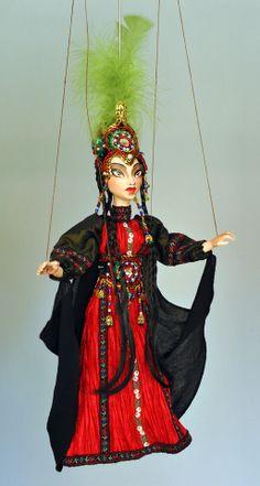 Pythoness marionette