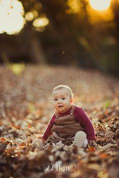 Sesión de fotos de bebé ewok en otoño en el bosque en barcelona,exterior, 274km, fotografia, otoño, tardor, barcelona