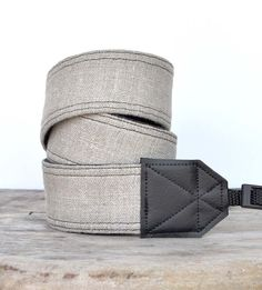 DSLR Camera Strap  Neck Strap Shoulder Strap Cross by RhyahPapaya