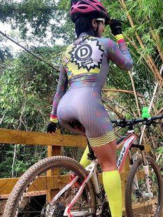 65 Ideas Mountain Bike Outfit Womens Cycling For 2019 Cycling Wear, Cycling Girls, Cycling Outfits, Women's Cycling, Cycling Jerseys, Bicycle Women, Bicycle Girl, Road Bike Women, Belle Nana