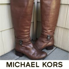 | Michael Kors | Brown Leather Boots 100% Authentic!!! Made out out 100% real leather! EXCELLENT condition! Only wore a handful of times. Dark brown in color. 🎉BEST IN SHOES AND BOOTS HOST PICK 1/6/16🎉 MICHAEL Michael Kors Shoes