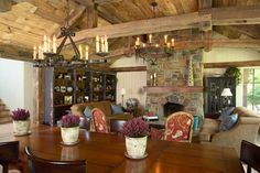 Traditional Dining Room Design, Pictures, Remodel, Decor and Ideas - page 14 Shabby Chic Dining Room, European Style Homes, Ranch Decor, Living Room Red, Living Area, Rustic Home Interiors, Rustic Bathrooms, Red Bathrooms, Rustic Design
